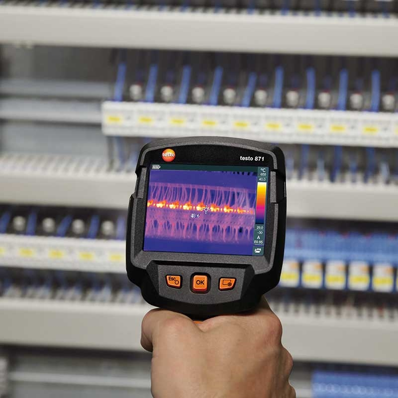 With testo SuperResolution, your thermal images are greatly improved.