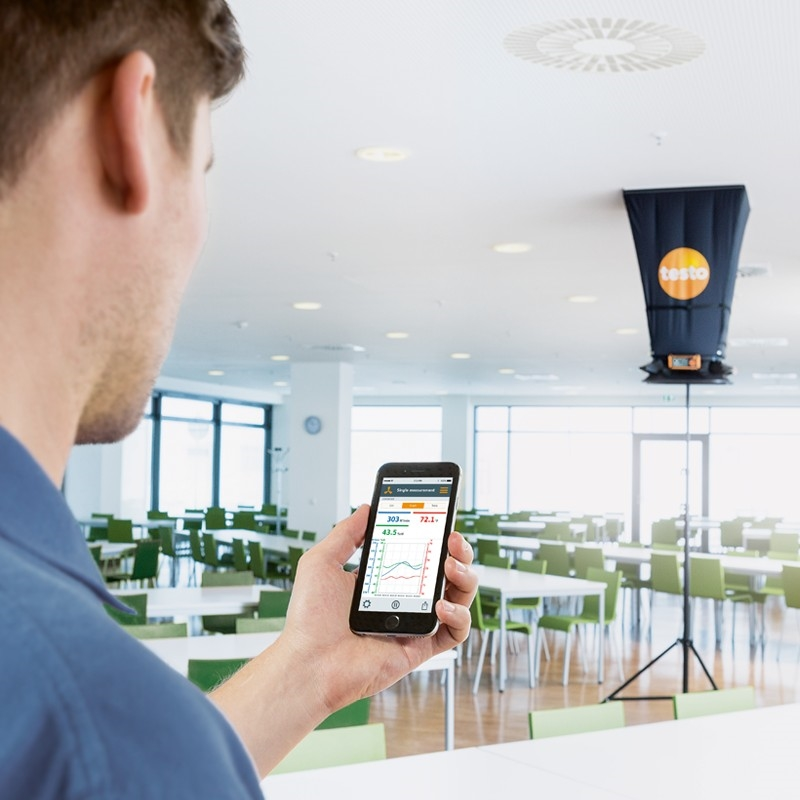 The testo 420 offers Bluetooth compatibility for seamless data streaming.