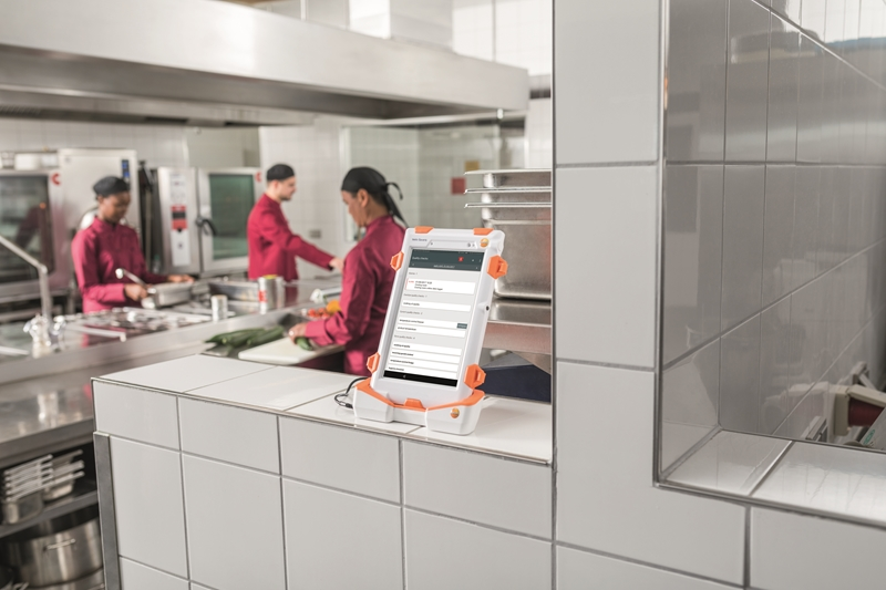 Testo Saveris Restaurant makes food safety compliance simple.