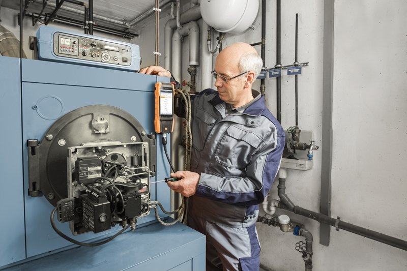 Technicians can perform key flue gas analysis more easily than ever with the testo 300 analyser.