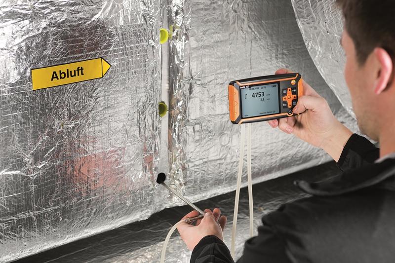 Differential pressure measurement in HVAC checks