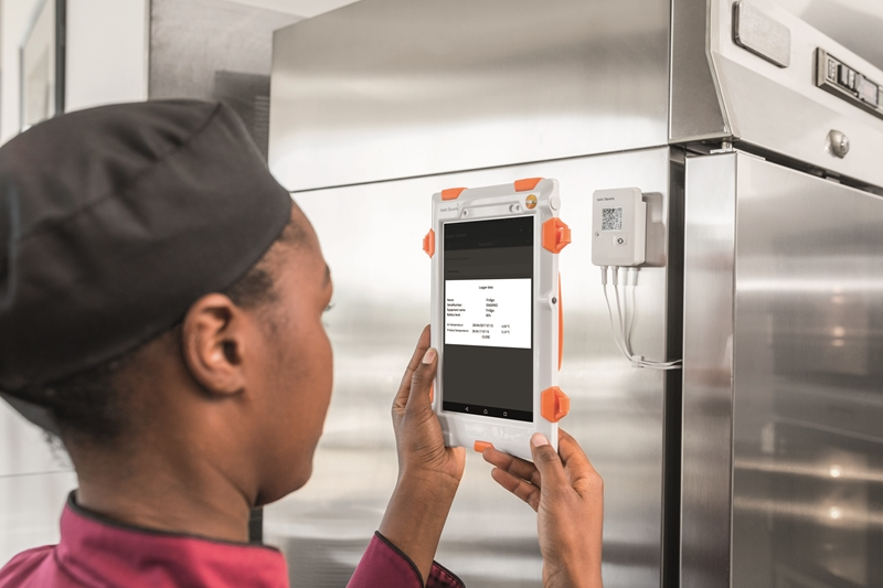 Get greater transparency into food quality management with testo Saveris Restaurant.
