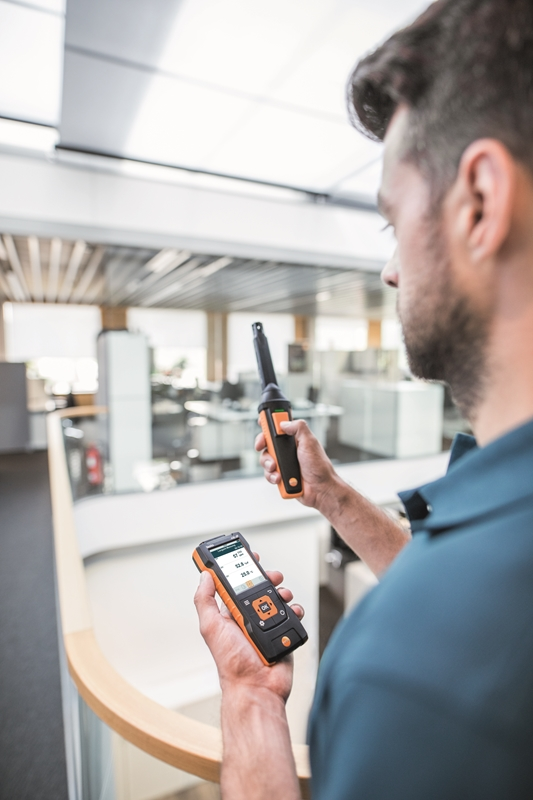 Collect important HVAC metrics with the testo 440.